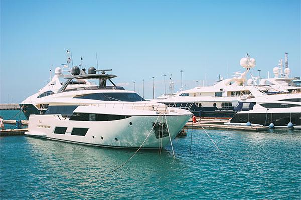 Des millions de dollars de droits de douane pour sortir les yachts construits aux USA