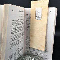 marque-page 100% personnalisable dans un livre