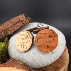 Le pin's bois personnalisé papa d'amour