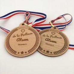 médaille bois personnalisable atsem ensemble